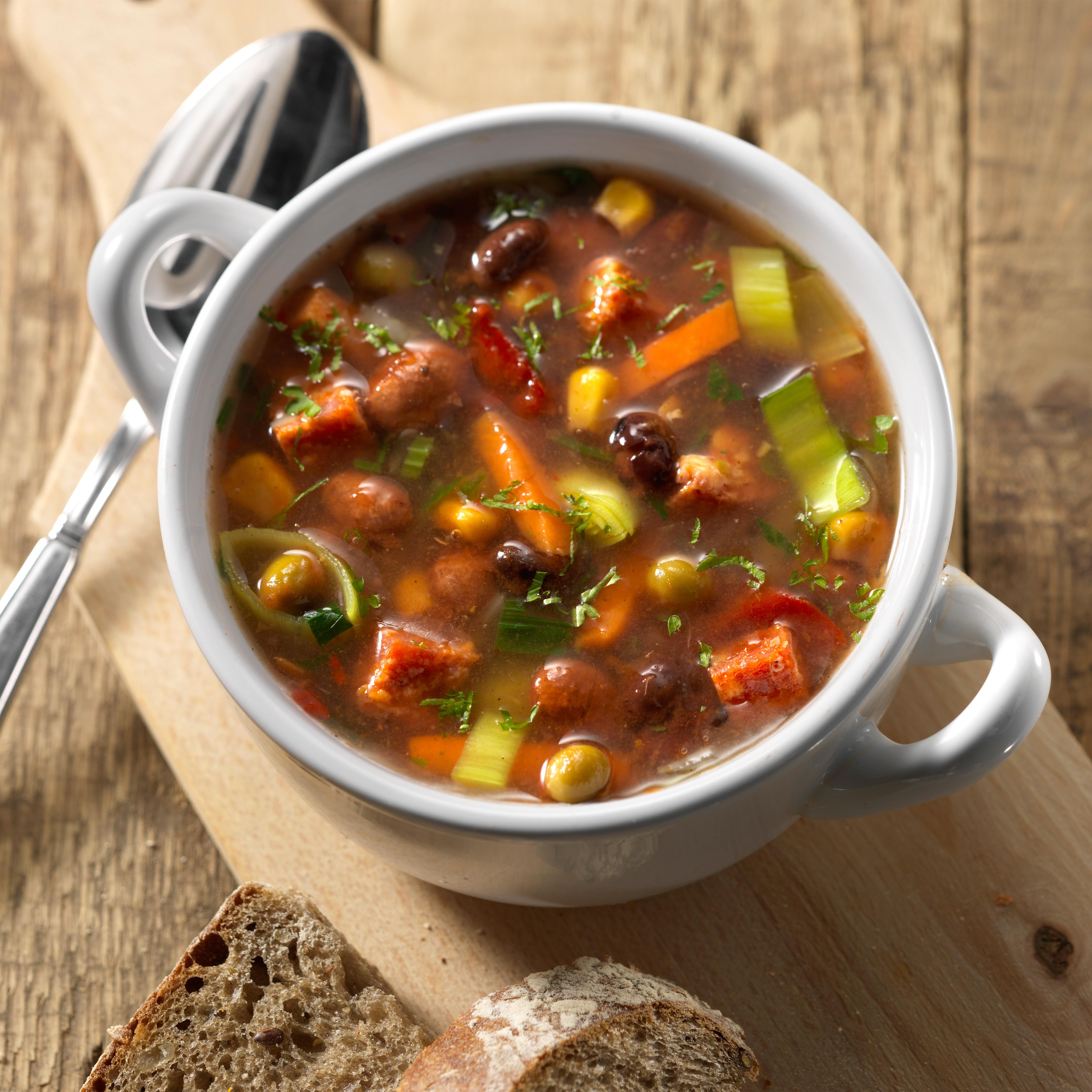 2 3 Voedzame Bonenschotel Soep Met Chorizo Kader
