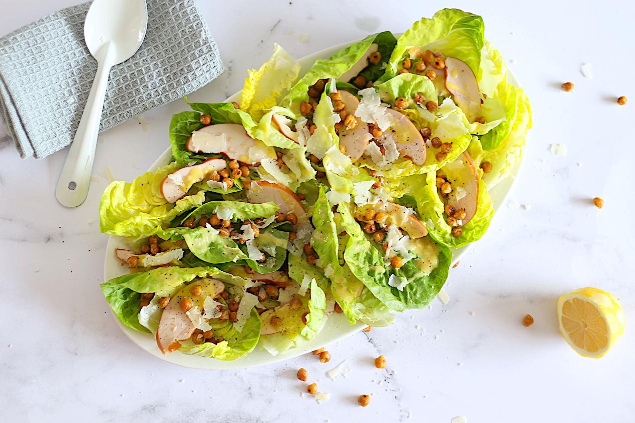 Caesar Salade Met Kikkererwten En Gerookte Kip 1
